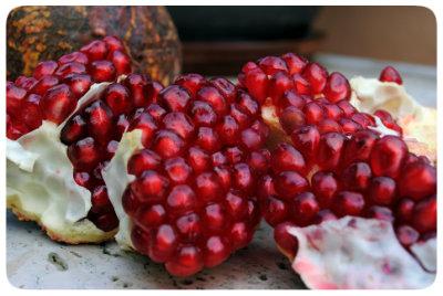 3 ways to peel a pomegranate